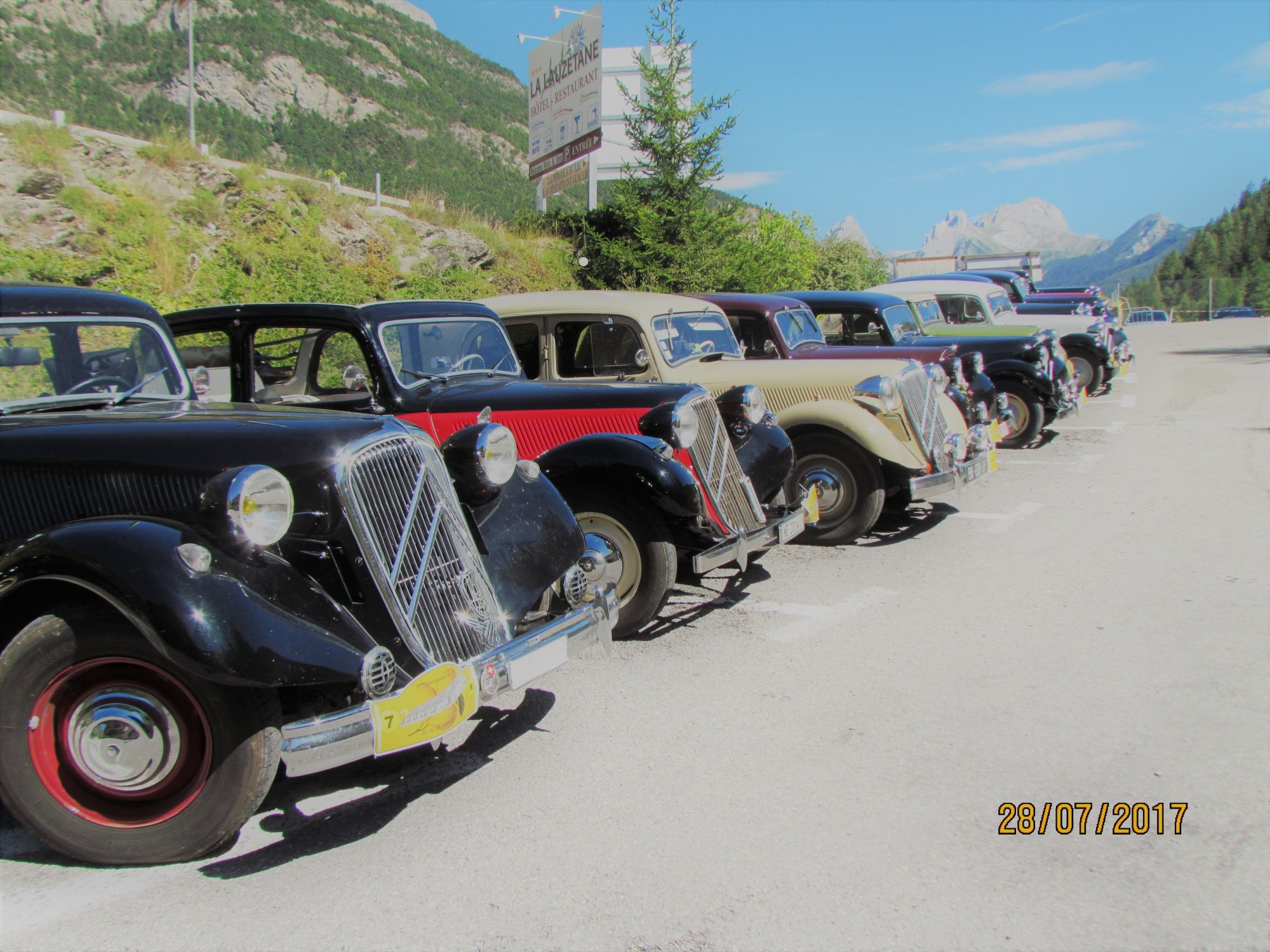lac lauzet vallée ubaye montagnes club automobile groupe rencontre passionnés