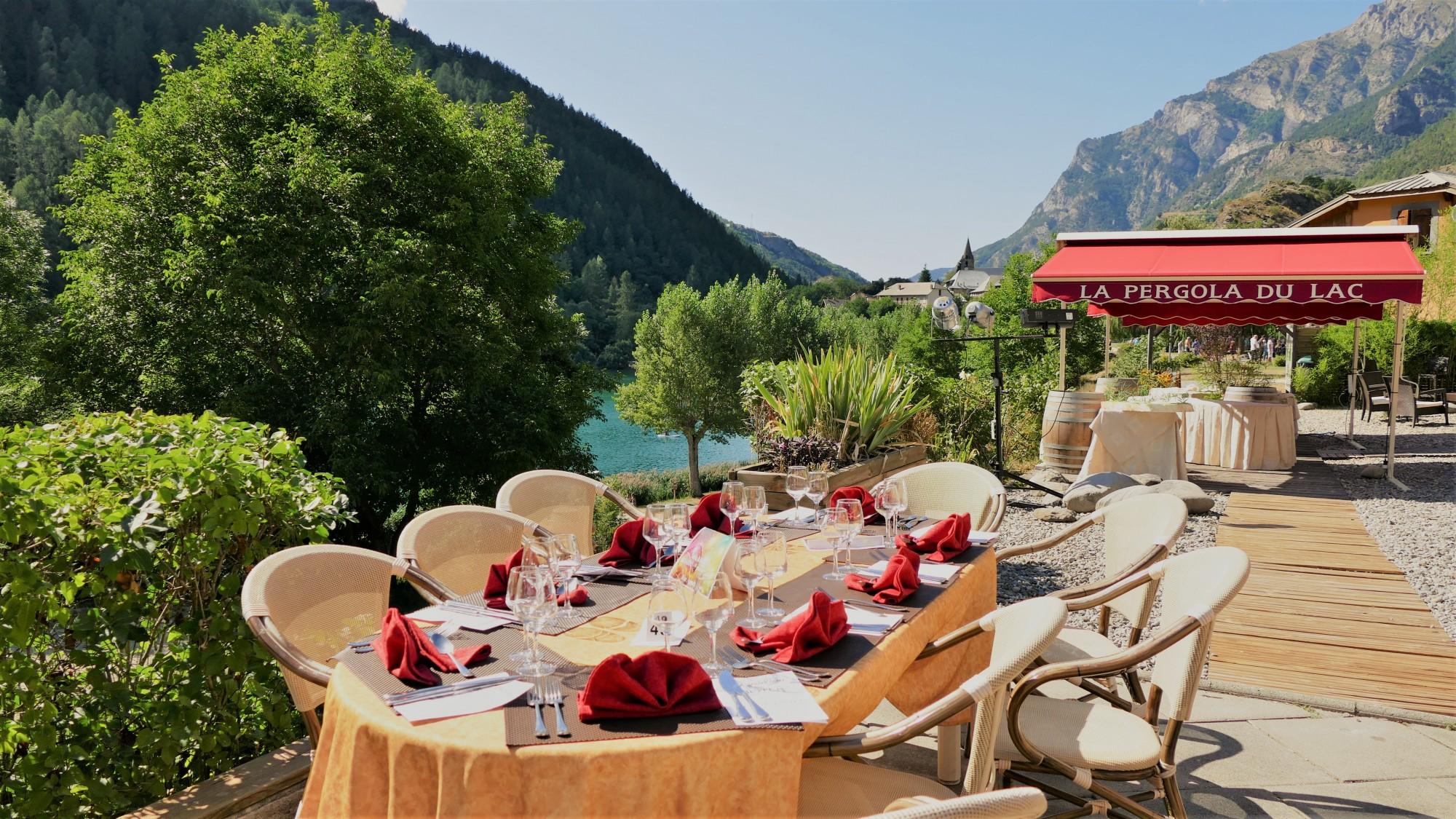 restaurant lac montagne buffet terrasse carte spécialités