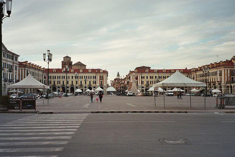 Place du marché de Cunéo