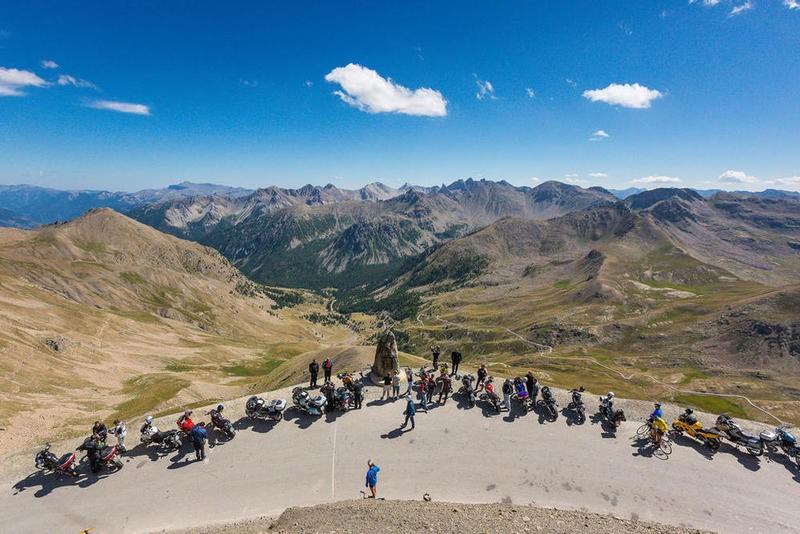Alpes aventures Motofestival au col de la Bonette