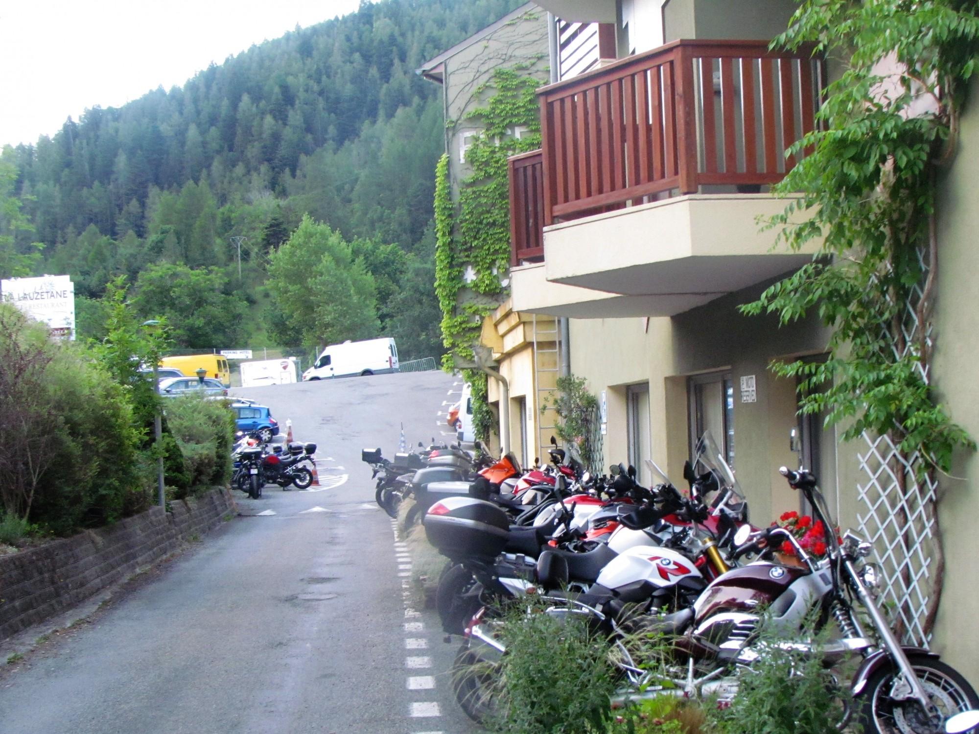 Accueil Motard à l'hôtel la Lauzetane