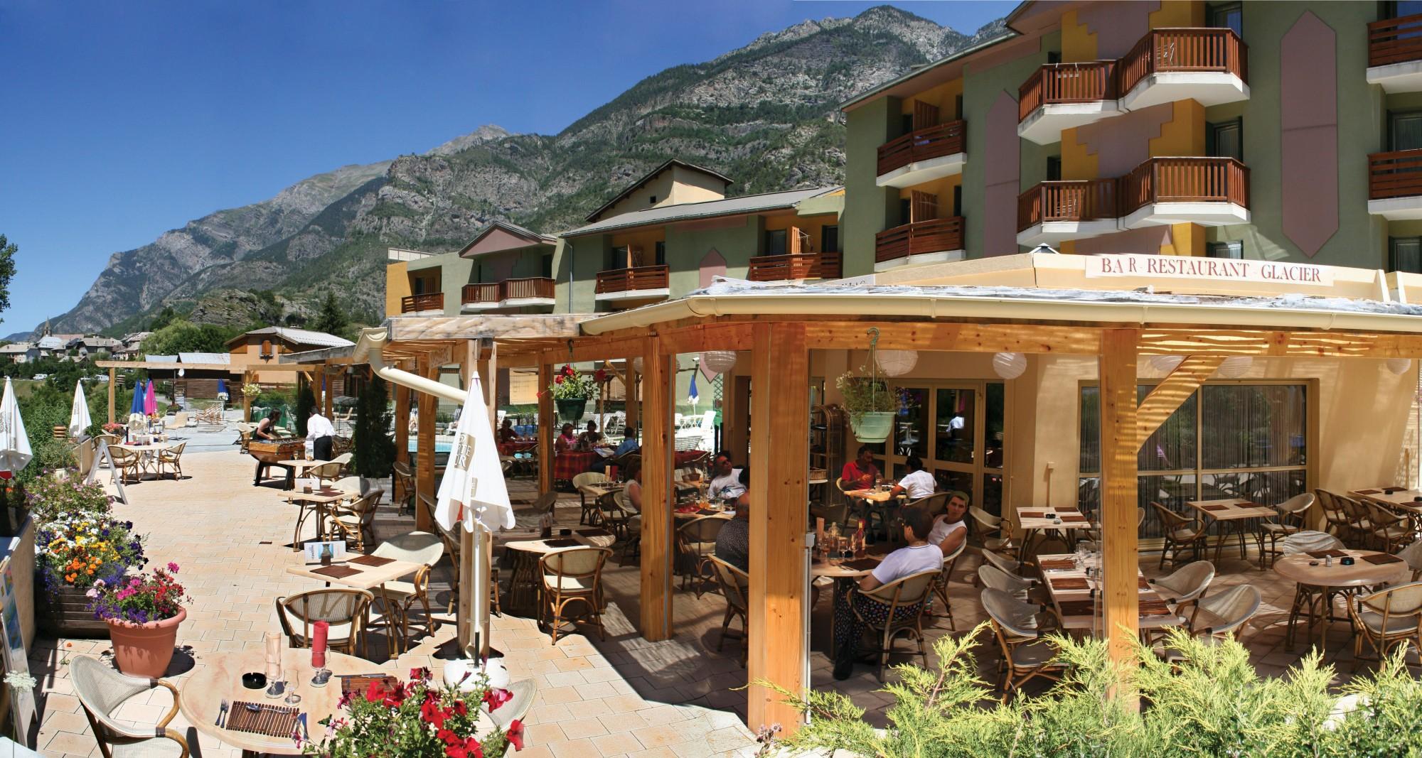 Restaurant en terrasse l'été