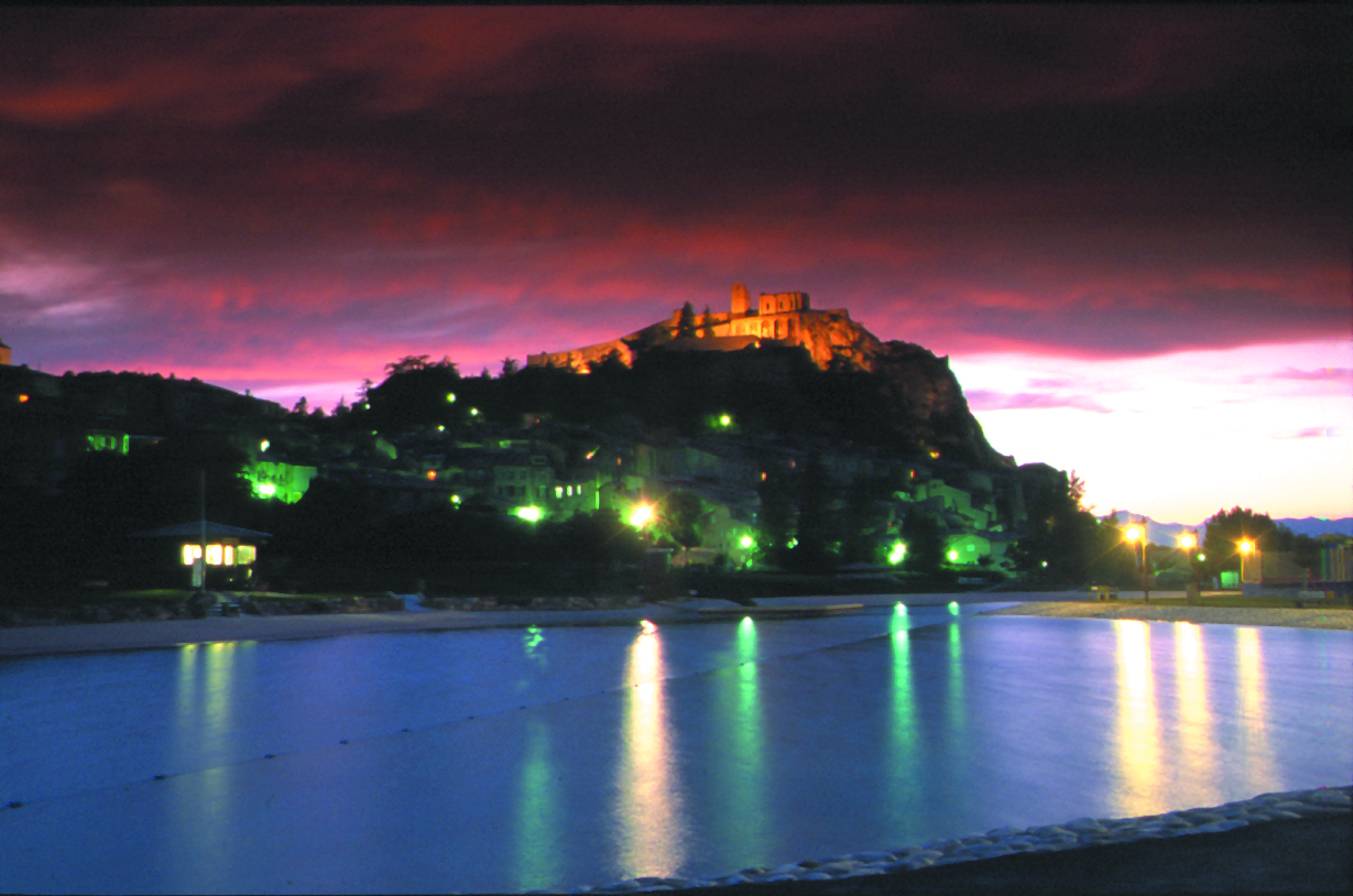 Sisteron, la nuit